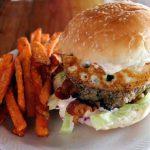 画像はhttp://mesklados.com/menu/rancheru-burger/より