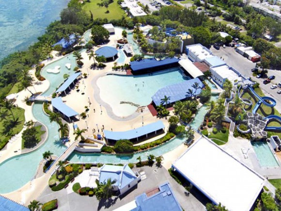 画像はhttp://www.onwardguam.com/hotel/resort/waterpark/より