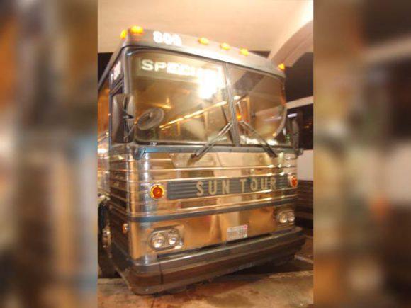 グアム空港からのバス